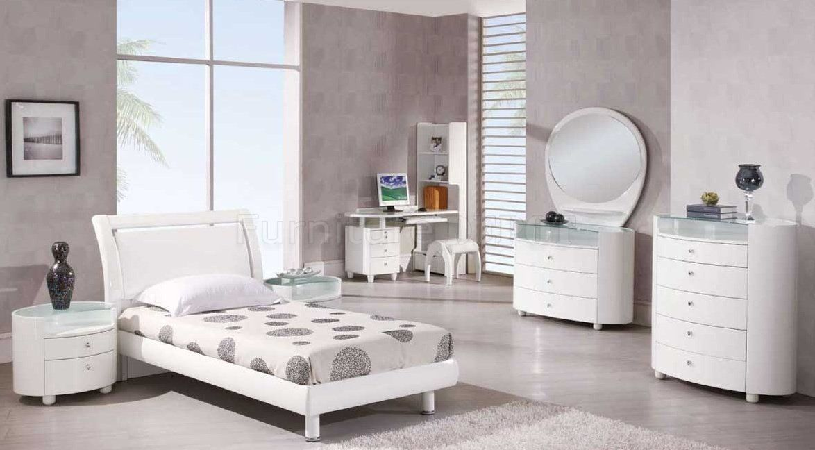 ikea-high-gloss-bedroom-furniture39